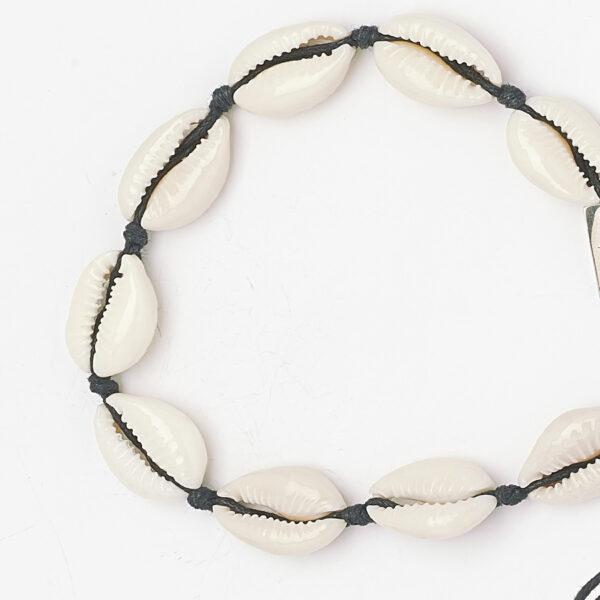 bracelet-coquillage-fil-noir-perle-de-jade-1