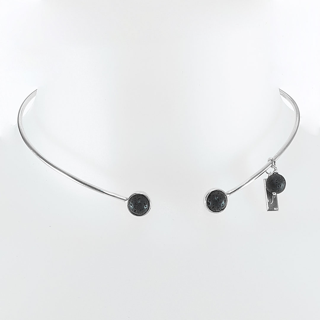 """Simplicity"" necklace in silver with black lava stone"
