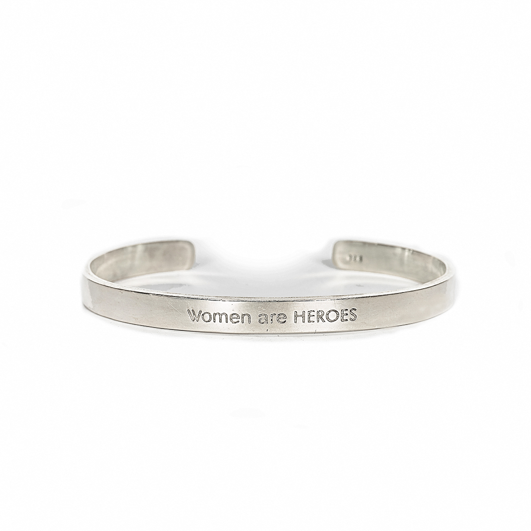 "Bangle in silver with engraving ""Women Are Heroes"""