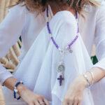 """Bracelet élastique ajustable """"Good Karma"""" en argent massif et pierres de quartz bleu"""
