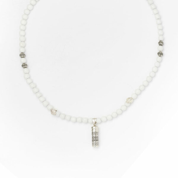 collier-buddhiste-pierres-quartz-blanc-secret-box-argent