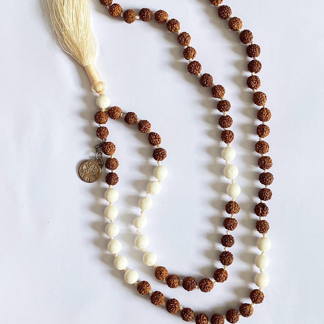 collier de méditation sahana