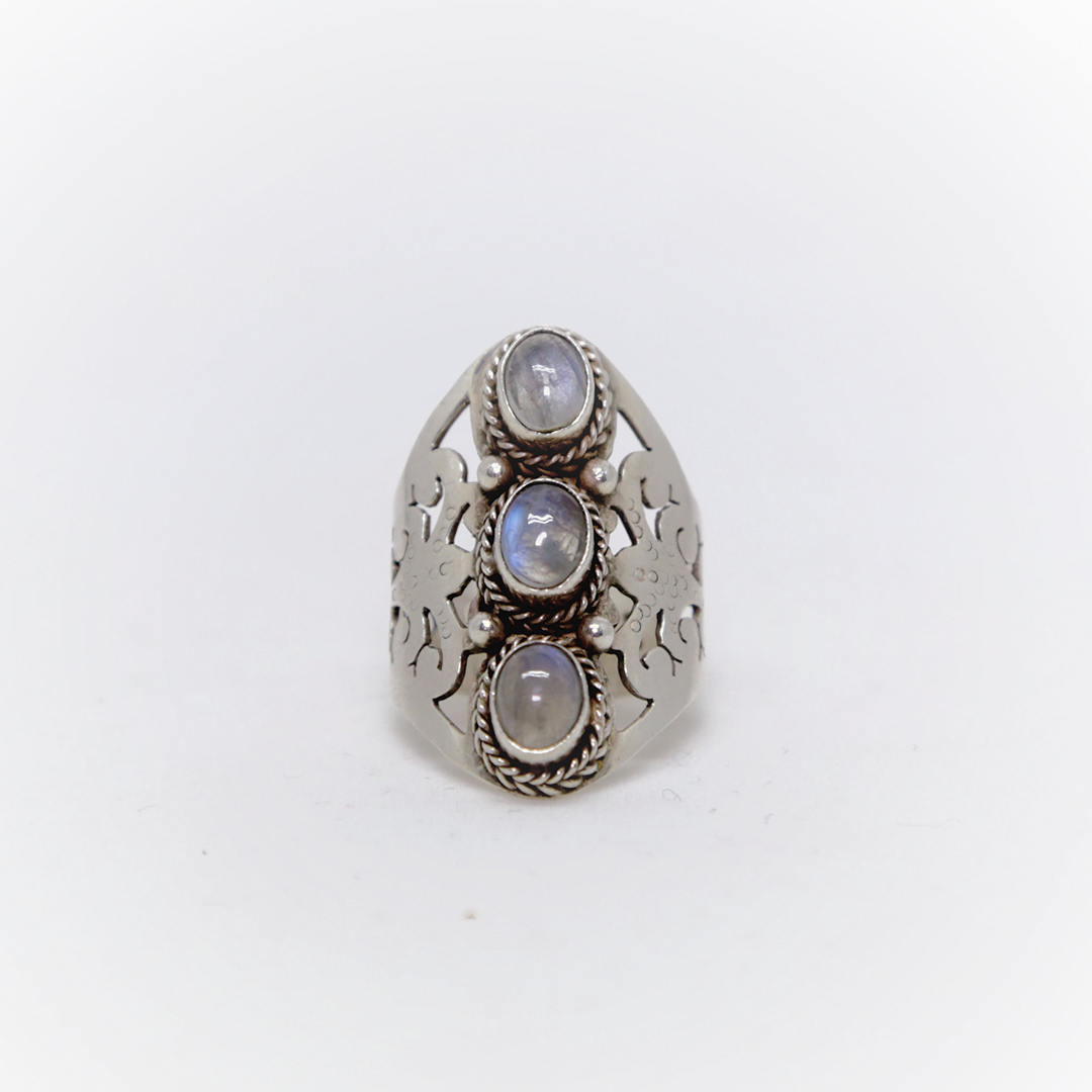 """""""EIVISSA"""" silver and moon stone ring"""