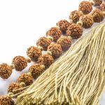Child's Mâlâ necklace with beige beads