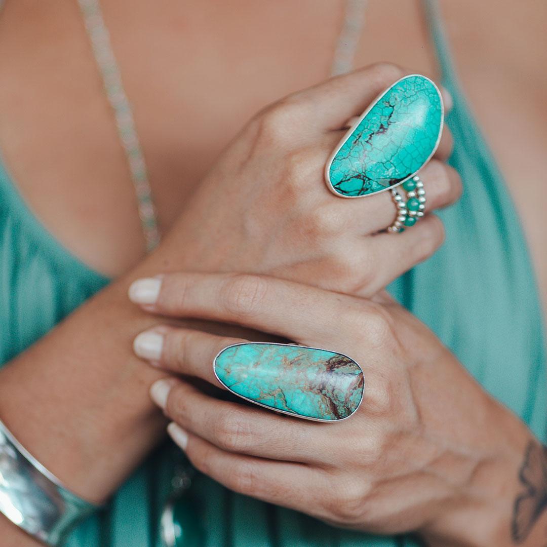 Bague ovale turquoise et argent massif Perle de Jade