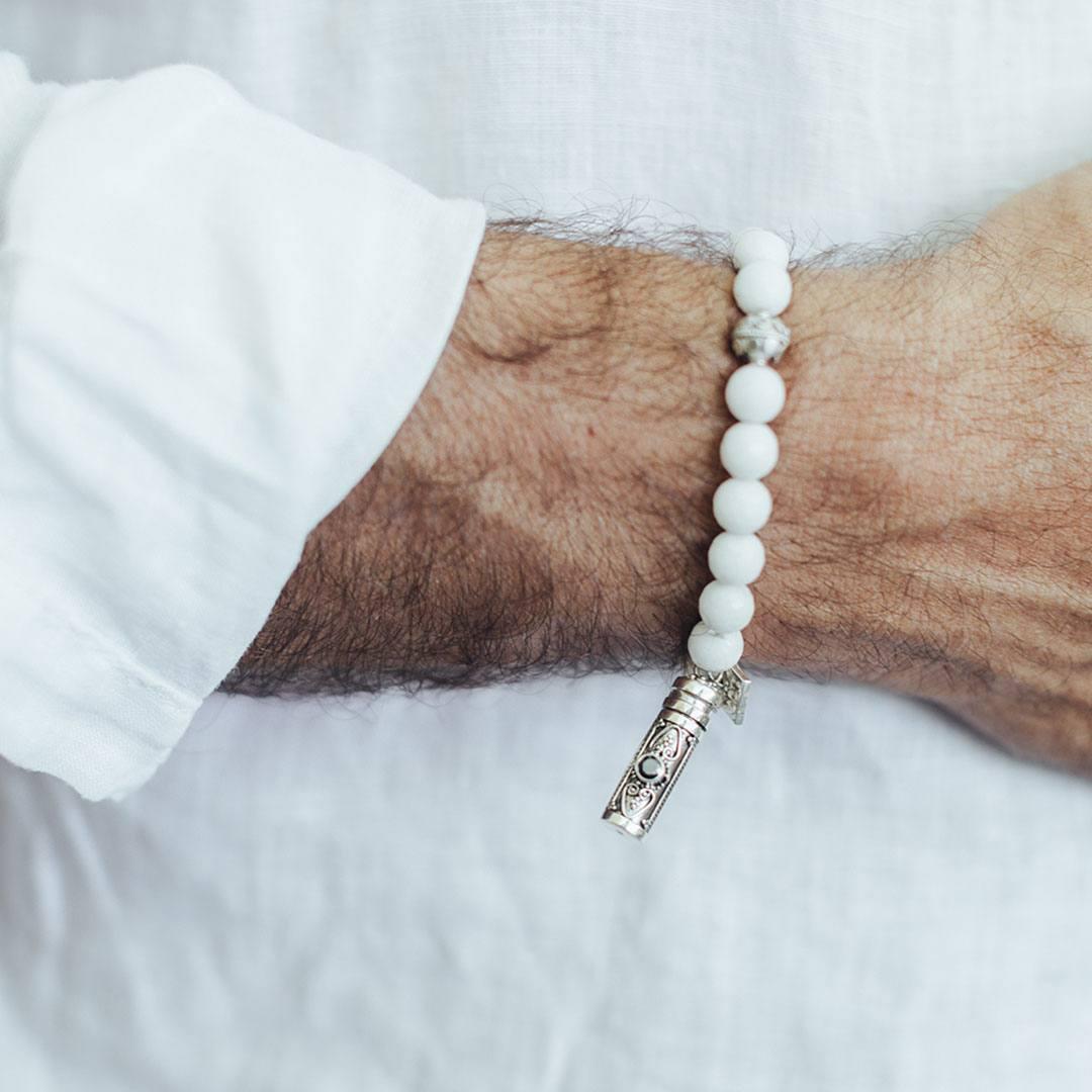 Bracelet quartz blanc Homme Secret box Perle de Jadev