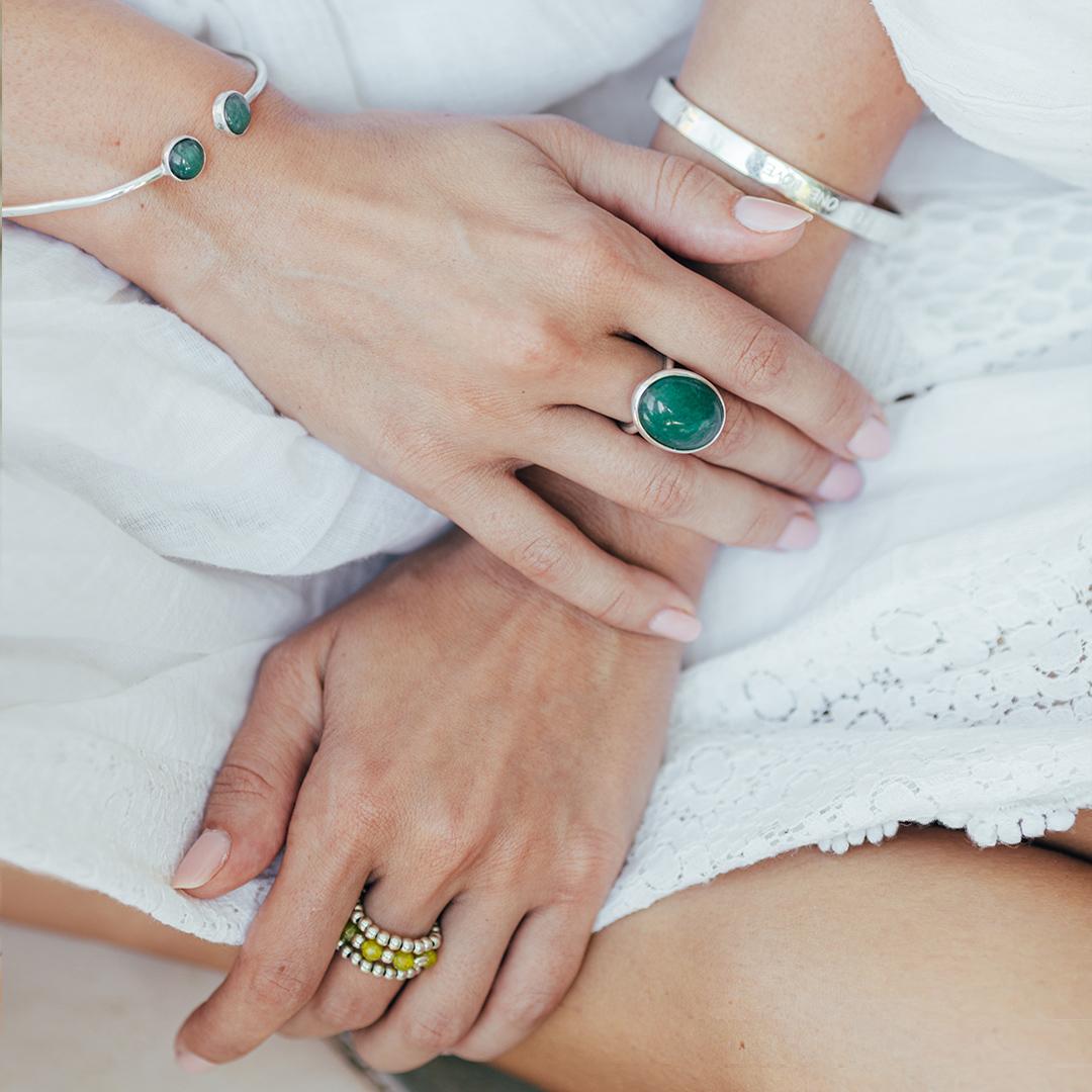 Bracelet jonc argent et perles de jade