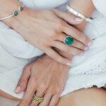 """Bracelet Jonc """"Simplicity"""" en argent massif 925 et pierres de jade"""