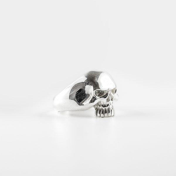 bague-skull-argent-homme-perle-de-jade