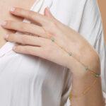 chaine-de-main-plaque-or-turquoise-perle-de-jade