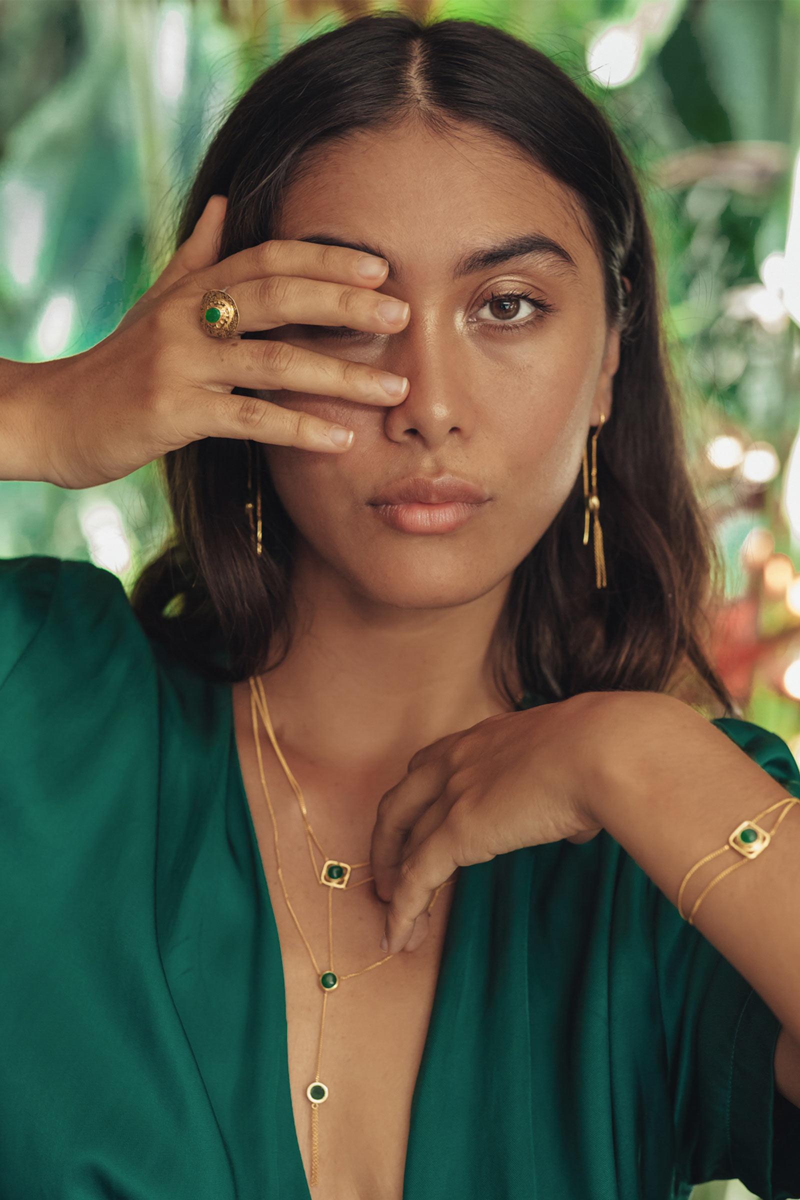 femme bijoux pierre de jade perle de jade